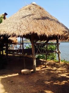 Lakeside lounge hut