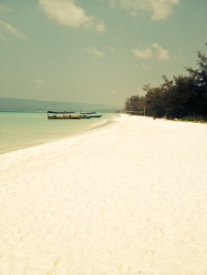 After an intensive hour long trek through the jungle we found Long Beach,7k of the whitest softest sand we've ever seen!